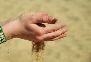 sand-717529_640